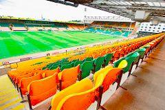 De fleste bookmakerne holder Norwich som klar forhåndsfavoritt til nedrykk, og det kan være gode penger å hente for de som tør gamble på at det fortsatt spilles Premier League-fotball på Carrow Road i august. Bilde: Pittaya Sroilong